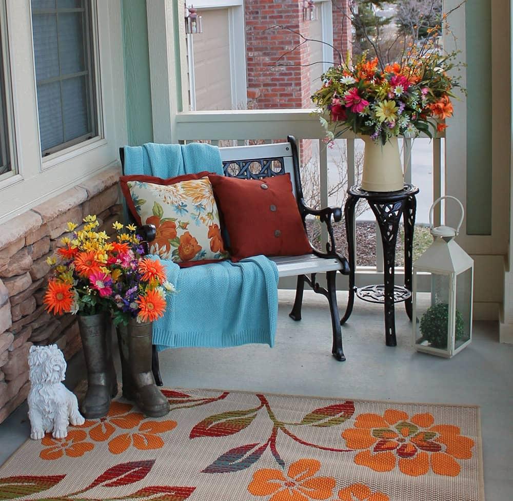 Разнообразие декоративных подушек