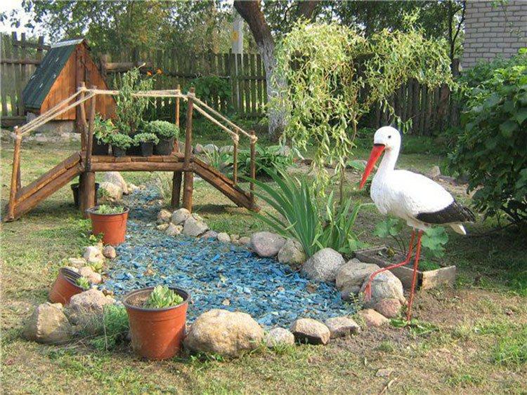 Декоративный пруд на даче фото 32