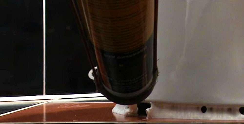Крепление основания унитаза к полу силиконом