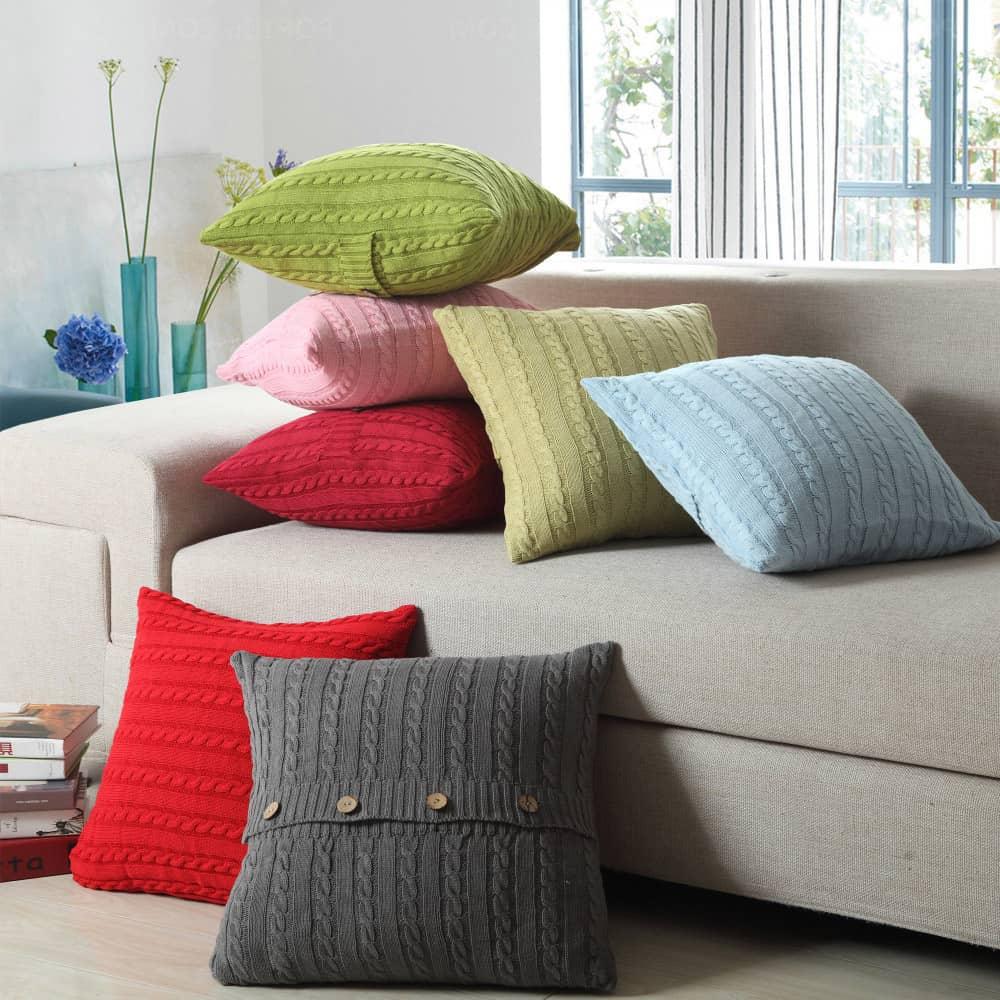 Декоративные подушки в интерьере. Фото и идеи