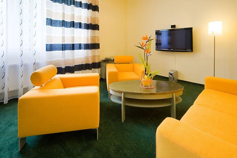 Yellow-Interior-038