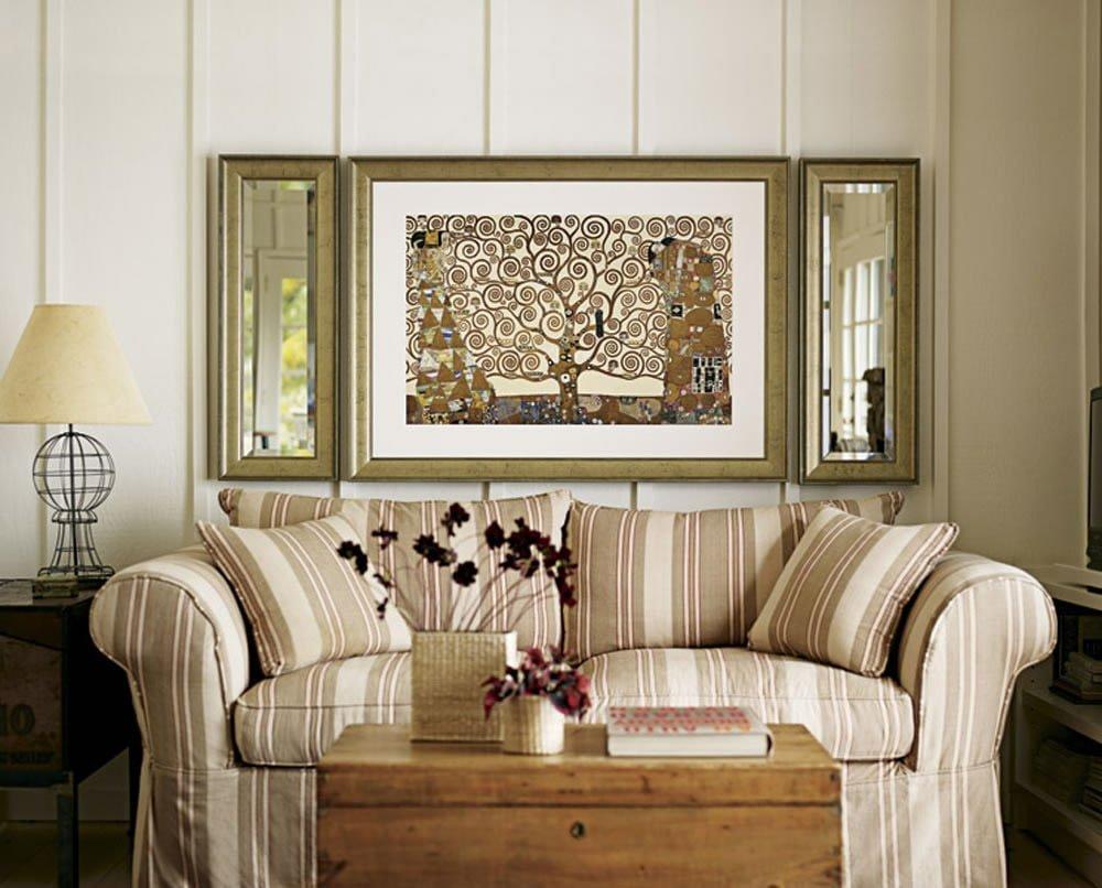 Декоративные подушки в интерьере в едином стиле с обивкой мебели