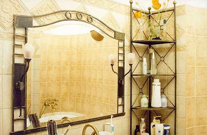 Угловая настенная полка в ванной