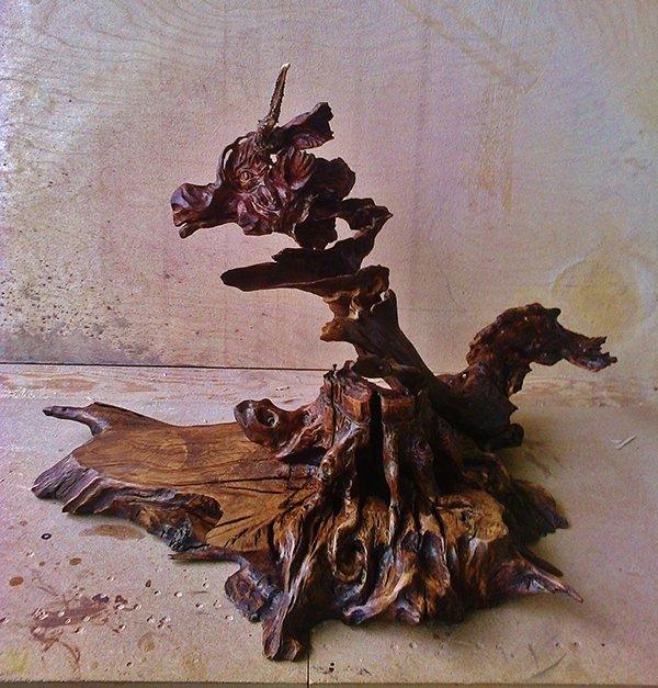 Статуэтка из коряги. Продукция Графской гильдии мастеров