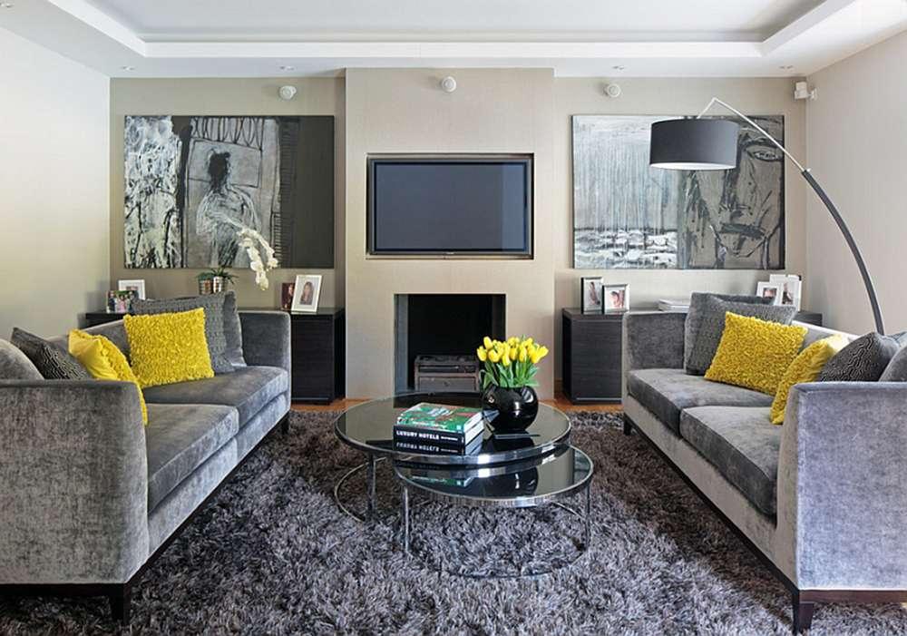 Сочетание бежевых стен и серой мебели