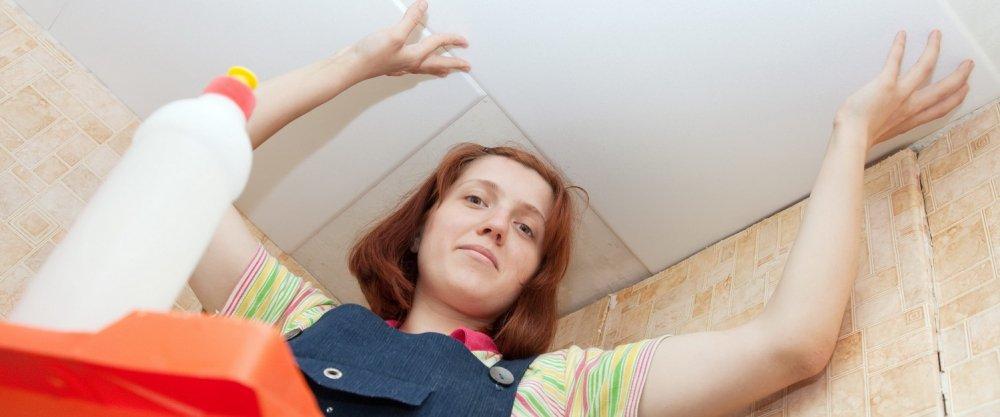 Инструкция: как клеить потолочную плитку