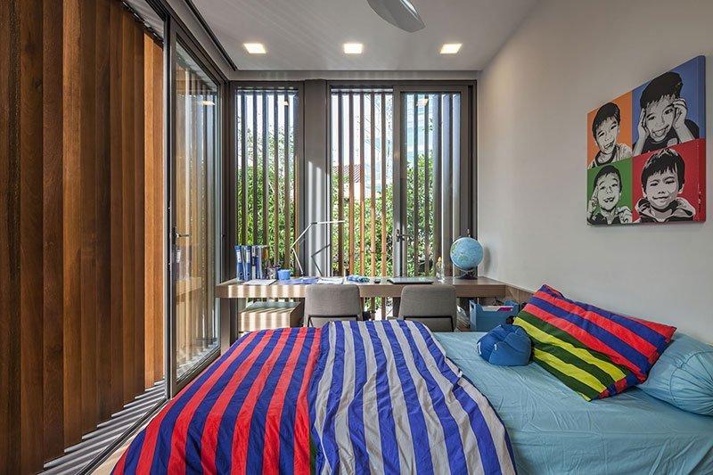 Дизайн узкой комнаты фото 5
