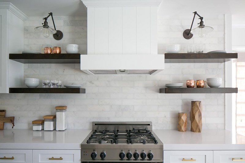 декор стен на кухне фото 19