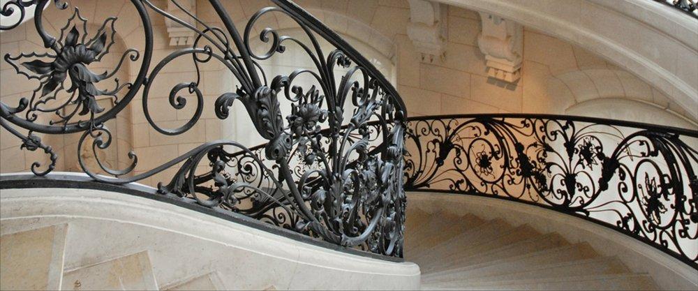 Перила для лестниц, готовые лестницы, деревянные лестницы
