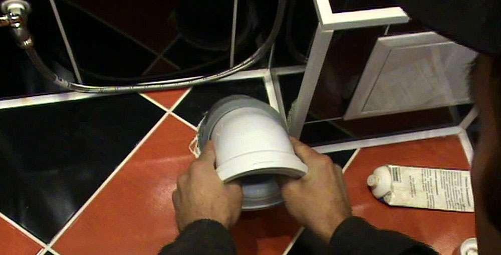 Как правильно установить унитаз на кафельную плитку