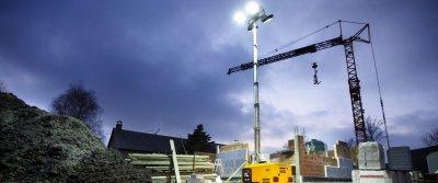 Осветительная вышка – необходимый элемент на современной строительной площадке