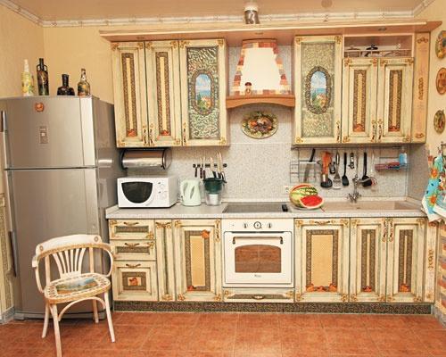Как отреставрировать мебель на кухне