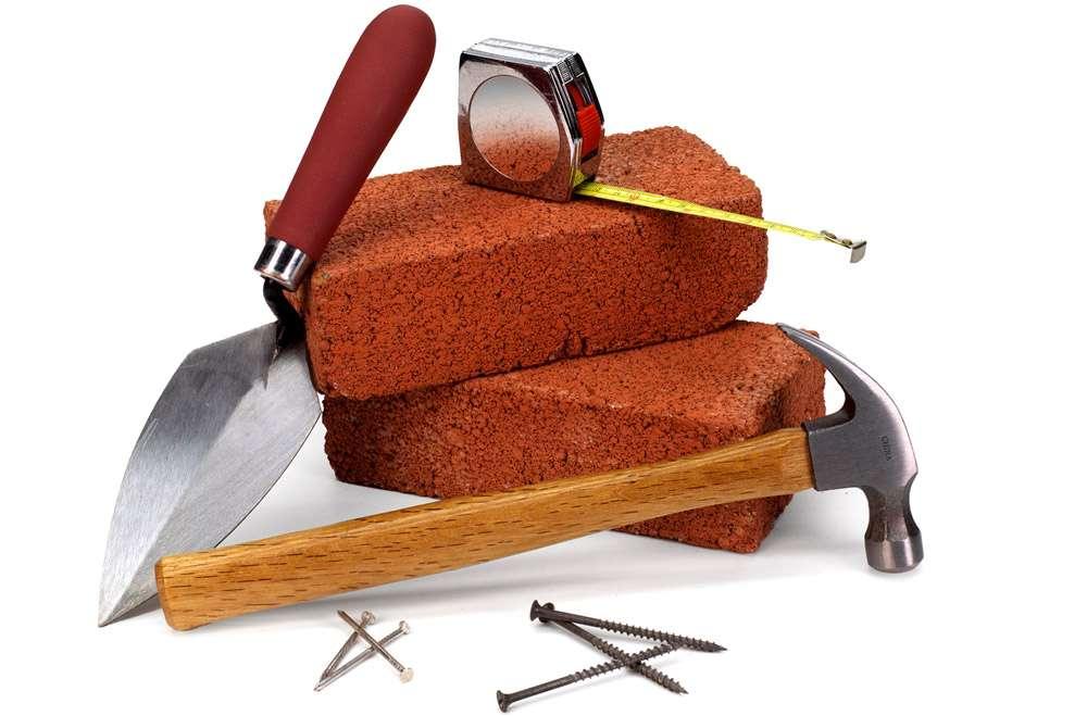 Инструменты каменщика: отвес, порядовка,уровень, причалка