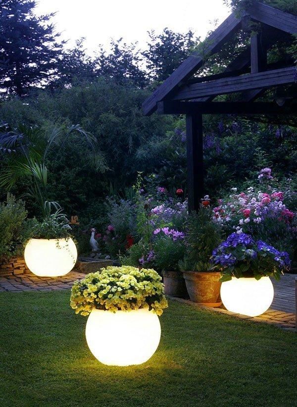 Декоративное освещение на даче фото 5
