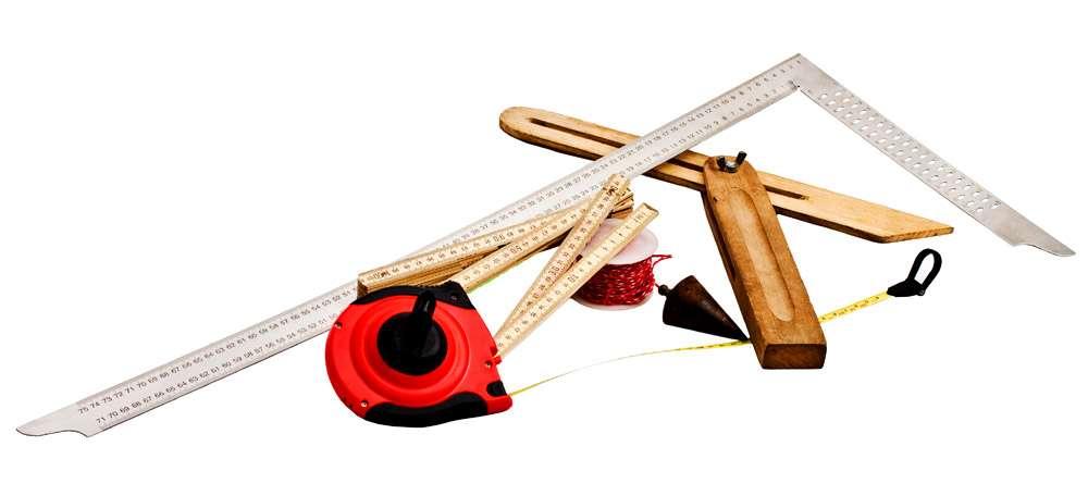 Контрольно-измерительные инструменты каменщика: отвес, уровень, правило, угольник, шнур-причалка, порядовка
