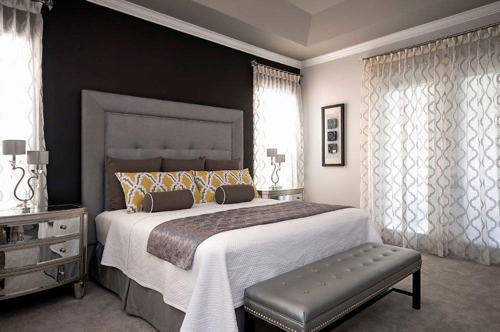 Прозрачные шторы в спальне