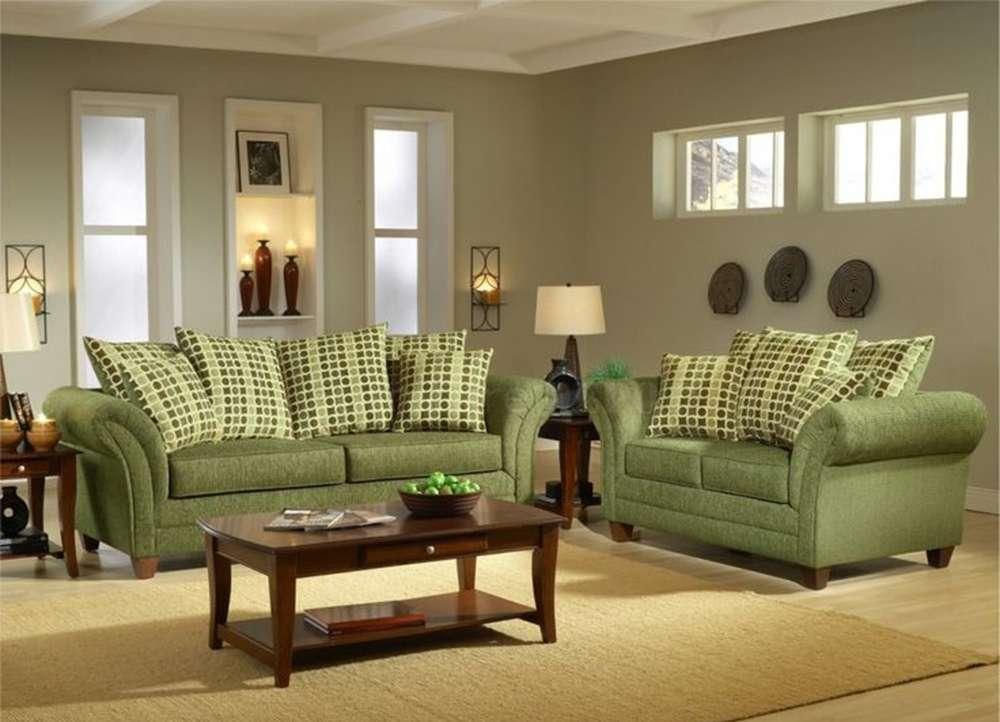 Пример сочетания зеленого дивана и интерьера