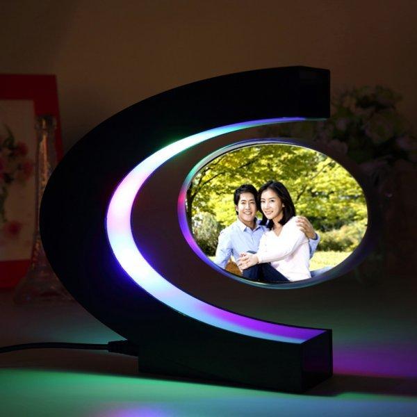 Левитирующая рамка для фото с подсветкой OUTAD