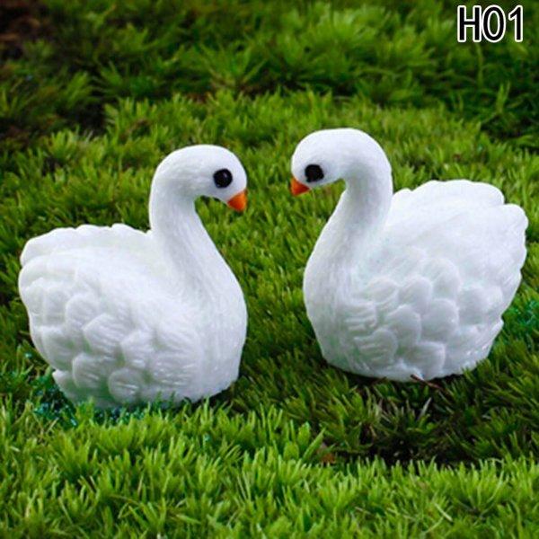 Декоративные лебеди украсят садовые лужайки или пруд (2 шт)